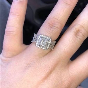 1 CT. T.W Diamond 10k White Gold Engagement Ring